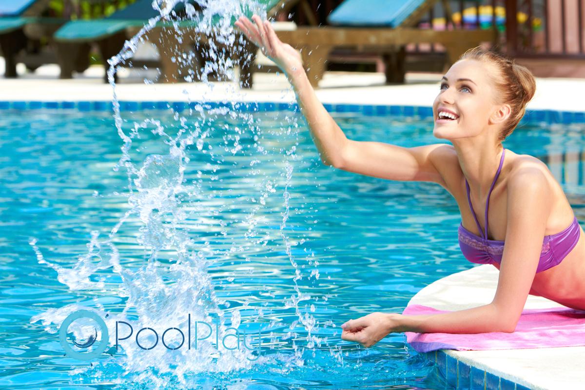 Desde PoolPlay te damos las mejores recomendaciones sobre cómo eliminar las algas de la piscina.